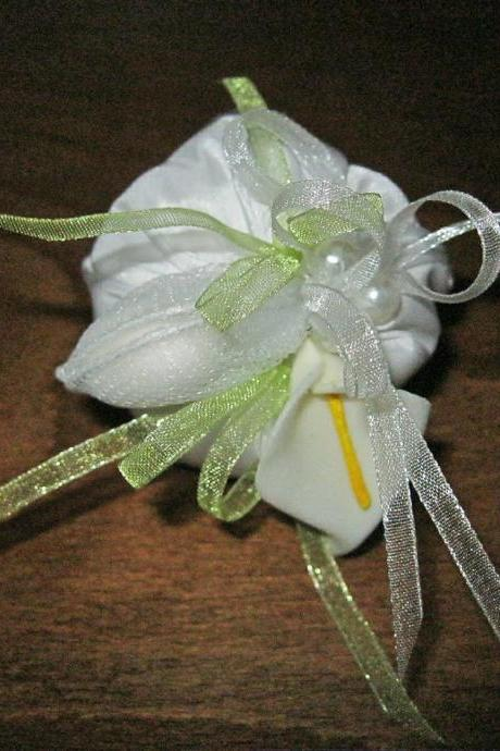 Set of 10 Wedding Guest Gift Bags White Calla and Sugared Almonds, Wedding Gifts, Party Favors, Bridal Shower Favors, Wedding Souvenirs